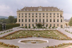Schonbrun Palace (side view) Vienna 2002
